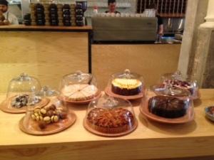Loretta cakes